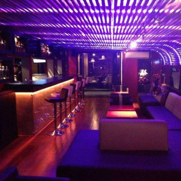 iluminación para bares en quito