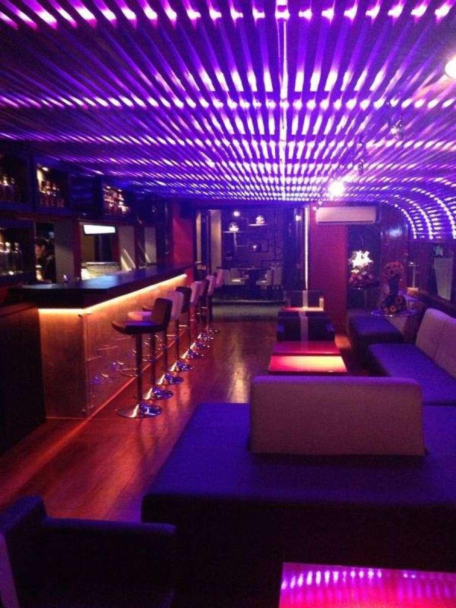 Sport bar studio k - Iluminacion de bares ...