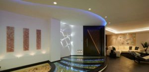 acceso a cuartos show room