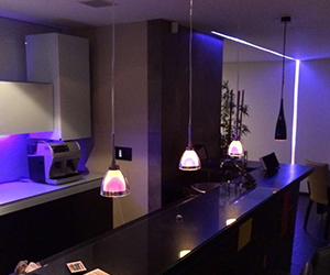 instalación de audio show room