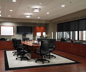 instalación de luces en sala de reuniones